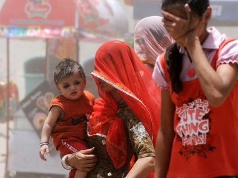 Lucknow, raining fire, Bright sunshine, scorching sun, people, divyasandesh